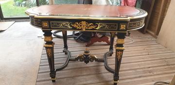 Restauration d'une table Napoléon III à Pessac